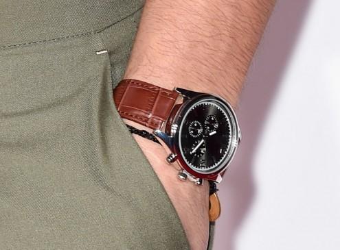 Garmin Vivomove Unveils 'New' Activity Tracker In Chic, Sporty Timepiece Design; Blurs Line In Fashion, Fitness