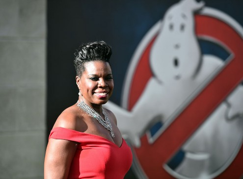 'Ghostbusters' Star Leslie Jones Attacked by Trolls. Fake Twitter Account Created Under Jones' Name [VIDEO]