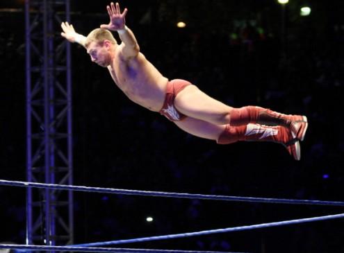 WWE Smackdown: Becky Lynch vs Alexa Bliss inside Steel Cage