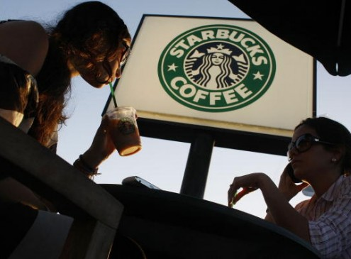 Hacks To Get Your Starbucks Habit On A College Student Budget