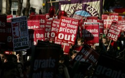 Students protest to abolish student loans