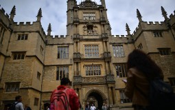 Oxford University Adds More Female Portraits