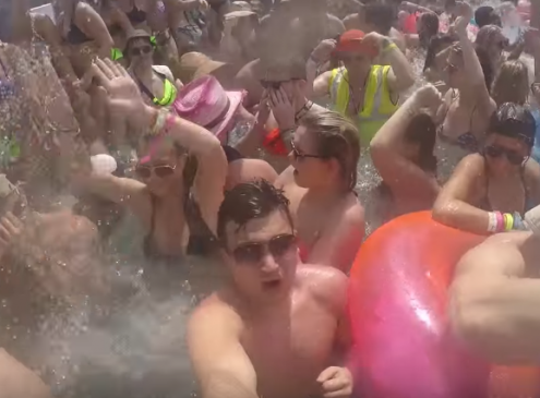 US State Department Warns College Spring Breakers About Mexico Travel