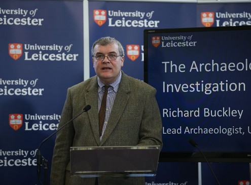 Child Genius To Tutor University of Leicester Students With Mathematics