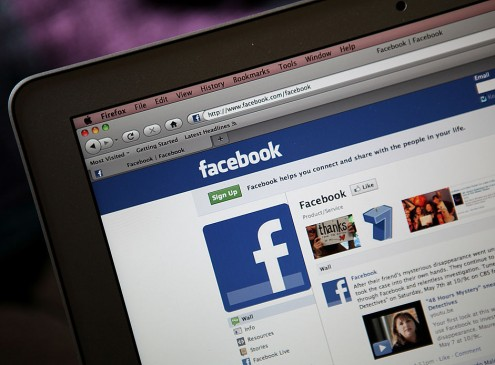 Research Reveals Too Much Facebook Can Make You Lose Some Self-Esteem [Video]