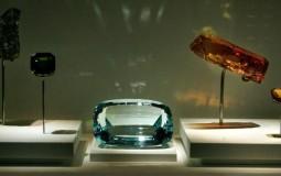 3D Quantum Liquid Crystals Discovered