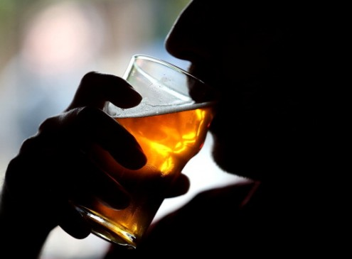 Moderate Drinking May Cause Problems For People Getting Older [VIDEO]