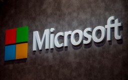 Microsoft Quietly Updated Windows 10 Mobile Device's Latest Developer Build