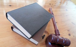 When Should You Hire an Employment Lawyer?
