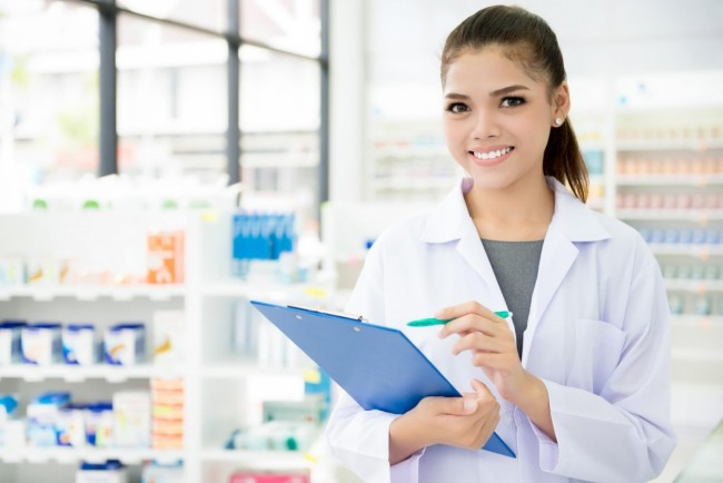 10 Key Pharmacy Technician Duties and Daily Tasks