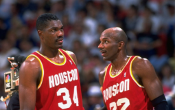 Hakeem Olajuwon, Clyde Drexler to throw first pitch before Astros' Game 6