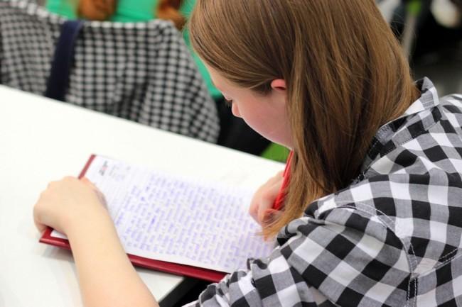 Gilr studying
