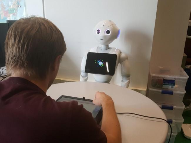 Trash talking robot