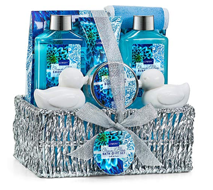 Tips for Wrapping a Gift Basket