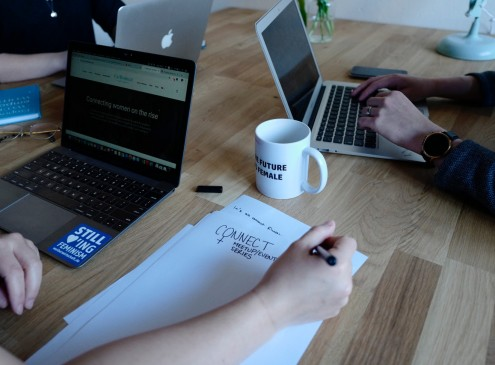 Laptop or Pen-and-Paper? Research Suggests Better Note-Taking Method for Students