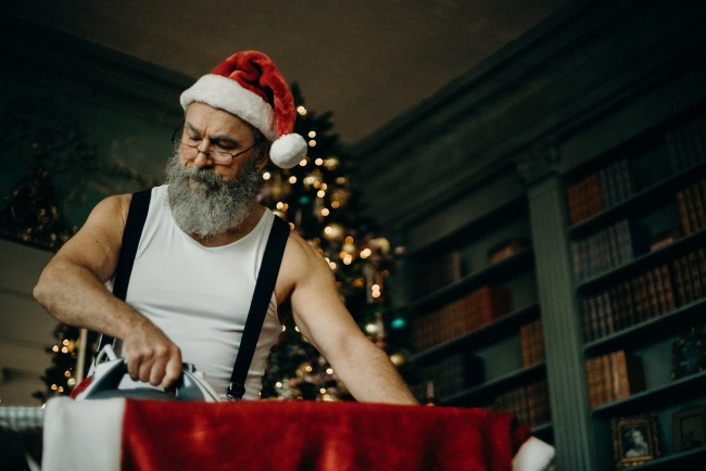 Have a Merrier Christmas with Funny Costume Party: Give your Staff a Break!