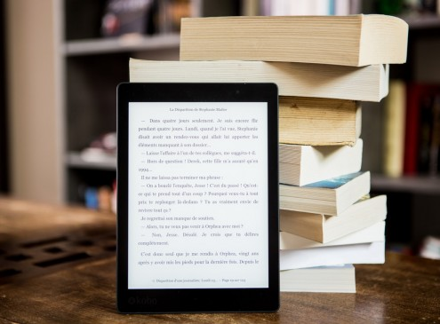 Independent Book Shops Thrive Despite Online Rivals like Amazon