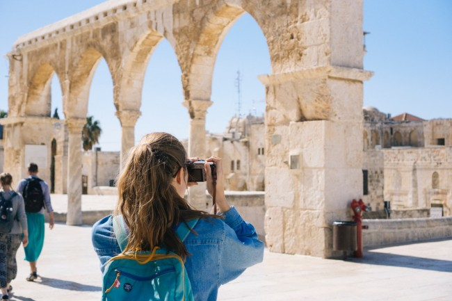 5 Signs That Studying Abroad Might Be Right for You