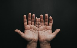 Teenage Obesity Can Lead to Frequent Numbness of the Hands and Feet
