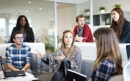 How To Successfully Manage A Startup Team