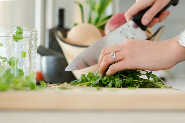 Homecooking Guides: Top 5 Kitchen Essentials for a Proper Meal Preparation