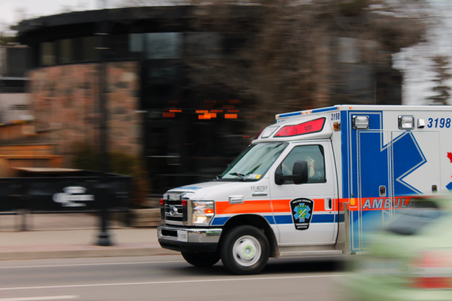 The Differences Between an EMT and a Paramedic