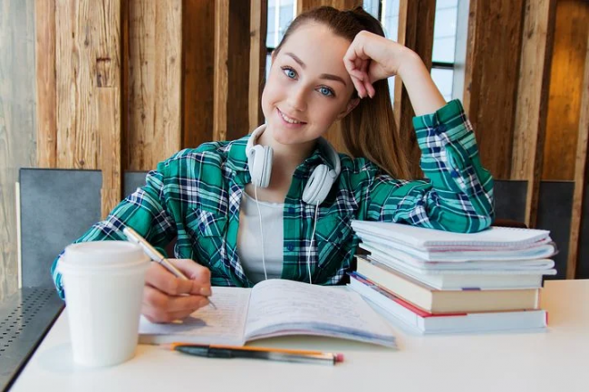 5 Brain Boosting Supplements for College Students