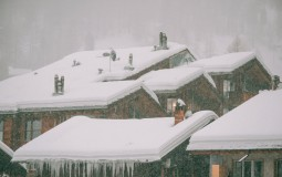 How Much Snow Can Your Roof Withstand?
