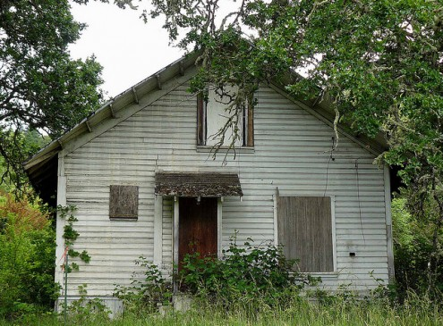 Foreclosed Properties Affect Neighbors' Systolic Blood Pressure, Study